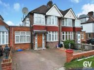 5 bed semi detached house in Twyford Abbey Road, NW10