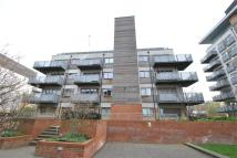 3 bedroom Flat in Agate Close, NW10