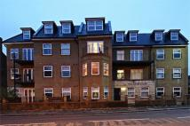 Flat to rent in Windmill Road, TW8...