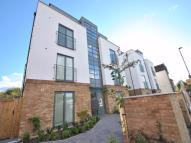 Flat in Gunnersbury Lane, W3