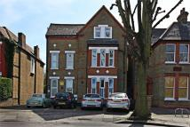 2 bedroom Ground Flat in Leopold Road, W5
