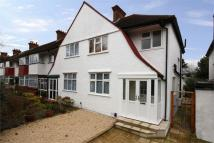 3 bedroom semi detached property to rent in Princes Avenue, W3