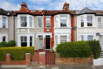 Apartment to rent in Carlyle Road, W5