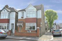 3 bedroom Detached house to rent in Sydney Road, W13