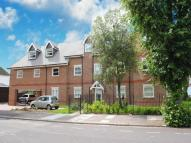 2 bed Flat to rent in Lynton Road, W3