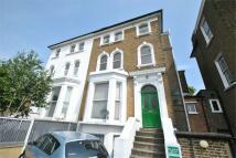 Flat to rent in Castlebar Road, W5