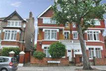 Ground Flat to rent in Denbigh Road, W13