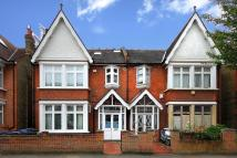 Apartment in Craven Avenue, W5