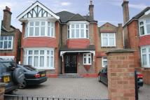 3 bed Flat in Gunnersbury Avenue, W5