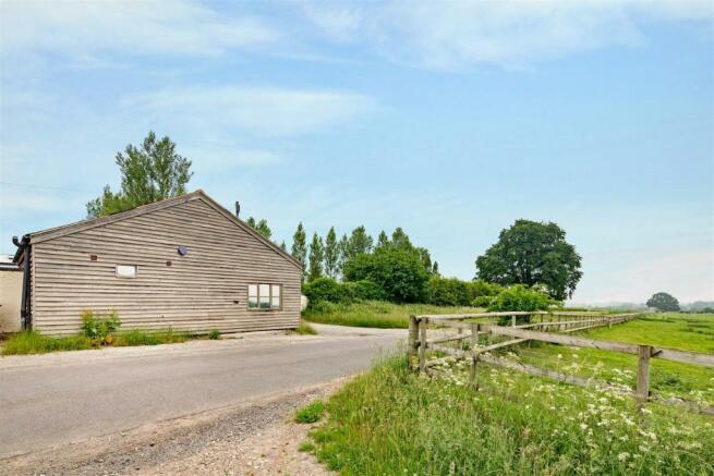 Fernwood Lodge fpz168592 (2).jpg