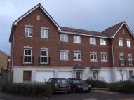 3 bed Town House to rent in Crispin Way, Hillingdon...