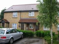 2 bed Flat in Meadowlea Close...