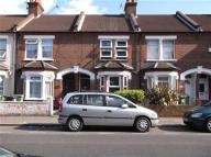 Terraced property to rent in Whippendell Road, watford