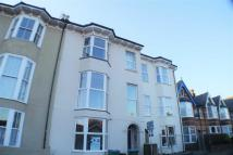 Studio apartment to rent in Gatwick House...