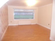 3 bedroom Terraced home to rent in 39 Shiel Place...