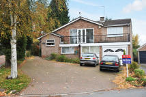 Detached house in Westfields, Catshill, B61
