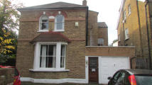 Town House to rent in Dorset Road, London, SW19