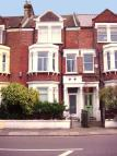 Ground Flat to rent in Bolingbroke Grove...
