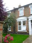 1 bedroom Flat to rent in Queens Road, London, SW19