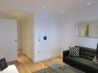 Apartment to rent in Queensland Road, London...