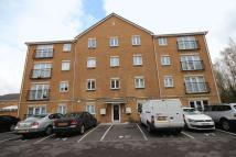 Flat to rent in Wyncliffe Gardens...