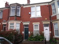 Maisonette to rent in Sackville Road, Heaton...