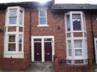 Maisonette to rent in Stratford Road, Heaton...