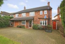 4 bed Detached house in Farm Way, Northwood