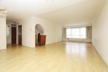 Apartment to rent in Penn House, Moor Park