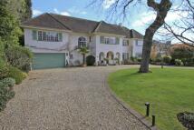 5 bed Detached property to rent in Linksway, Northwood