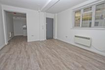 Flat Share in Field End Road, Eastcote