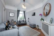 Apartment to rent in Chester Road, Northwood