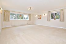 2 bedroom Flat to rent in South Hill, Northwood