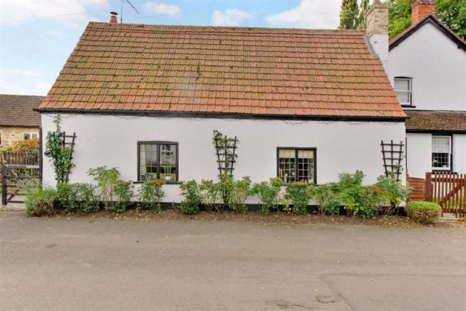 Allanby Cottage fpz1