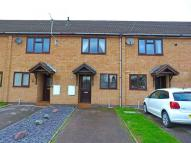2 bed property in Pullmans Close...