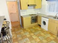 Flat to rent in Moorfield Road, Cowley...