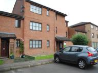 Studio apartment in Newcourt, Cowley...