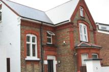 1 bed Studio apartment in Parkside Road, Hounslow...