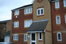 1 bedroom Studio flat in Burket Close, Southall...