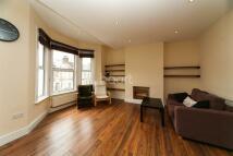 2 bedroom Detached house in Holmewood Gardens...