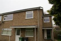 Maisonette to rent in Maple Road...