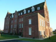 1 bedroom Flat to rent in College Gate...