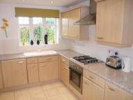 Town House to rent in Leighton Park, Crewe...