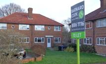 2 bed Maisonette to rent in East Close, Barnet