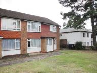 2 bedroom Maisonette to rent in Bramley Close, London
