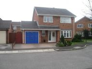 Detached house in Langfield Grove...
