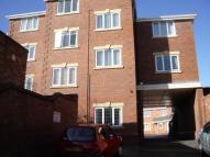 Flat to rent in Stoneway Court...