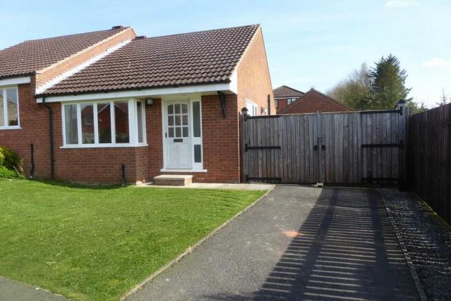 2 bedroom detached bungalow for sale in 29 west lund lane kirkbymoorside yo62 6ah yo62