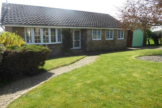 3 bedroom detached bungalow for sale in 9 beech drive kirkbymoorside yo62 6by yo62