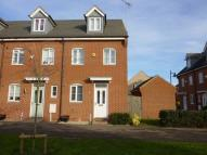 3 bedroom End of Terrace home to rent in The Pollards, Bourne...